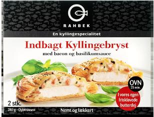 indbagt kylling med bacon